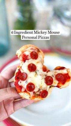Yummy Snacks, Yummy Food, Personal Pizza, Character Cakes, Cheesy Recipes, Baking Tips, Baking Ingredients, Tray Bakes, Food Hacks