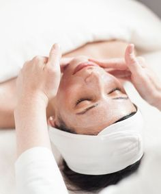 Facials, Spa Treatments - Best NYC Skin Care | Want to know which facial would be best for your life? Read this. #refinery29 http://www.refinery29.com/best-nyc-facials
