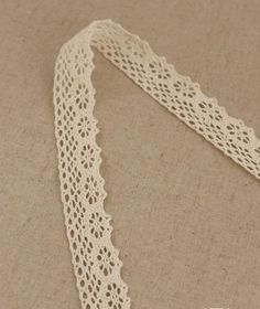 2 Yards Lace Trims 2.4cm Wide PinionPure Beige by seasonalsupplies