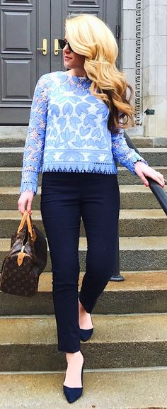 #winter #fashion /  Blue Lace Knit / Black Skinny Jeans / Black Pumps