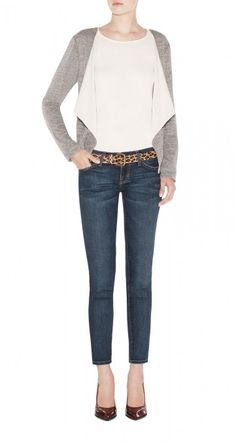 Lov the belt with this simple look.