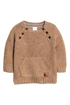 Knitted jumper: Jumper in a soft cotton blend containing some wool in a textured knit with buttons at the front, long raglan sleeves, a kangaroo pocket with an embossed imitation leather appliqué and ribbing at the cuffs and hem.