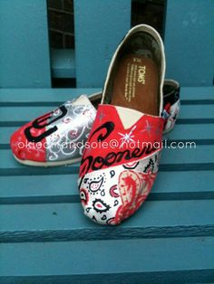 Custom hand painted OU TOMS made to order. by okieartandsole
