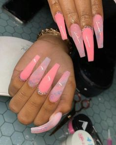 In seek out some nail designs and ideas for your nails? Here is our set of must-try coffin acrylic nails for modern women. Summer Acrylic Nails, Best Acrylic Nails, Acrylic Nail Designs, Summer Nails, Light Pink Acrylic Nails, Fabulous Nails, Gorgeous Nails, Pretty Nails, Aycrlic Nails