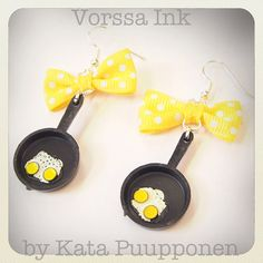 Pin Upstyle old school fried eggs Earrings with bow by VorssaInk, €18.00