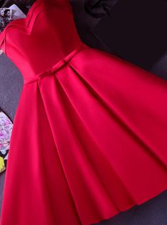Strapless Red Knee-length Short Ribbon Prom Dress/Homecoming Dress