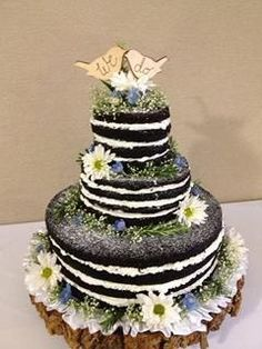 Naked Wedding Cake  This looks like a big oreo cookie cake