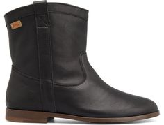 For Spring Summer 2013 Camper presents Woody, a black half boot made of full grain leather.