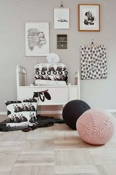 A mix of frames and hangers makes for a unique interior wall Boutique Interior Design, Modern Home Interior Design, White Kids Room, White Rooms, Man Room, Girl Room, Teen Boy Rooms, Baby Rooms, Kids Bedroom