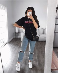 Komplette Outfits, Retro Outfits, Cute Casual Outfits, Simple Outfits, Stylish Outfits, Cute Outfits With Leggings, Outfit With Ripped Jeans, Outfits With Sweatshirts, Everyday Outfits Simple