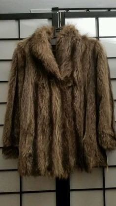 Vintage Womens Fur Coat in Clothing, Shoes & Accessories, Vintage, Women's Vintage Clothing   eBay