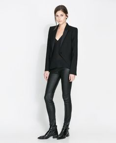 Discover the new ZARA collection online. The latest trends for Woman, Man, Kids and next season's ad campaigns. Full Look, Zara United States, Blazers For Women, Zara Women, Walk On, All Black, Leather Pants, Studio, Chic