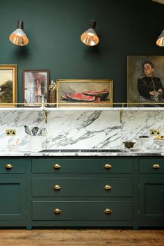 Bold green cabinets, brass knobs with marble countertops. Peckham Rye Kitchen& - Bold green cabinets, brass knobs with marble countertops. Peckham Rye Kitchen& by deVOL - Green Kitchen Cabinets, New Kitchen, Kitchen Ideas, Kitchen Art, Kitchen Decor, Kitchen Trends, Kitchen Modern, Kitchen Knobs, Dark Cabinets