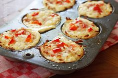 Hash Brown Egg White Nests Ingredients:  olive oil spray 1/2 cup minced onion 1 cup shredded potatoes, Simply Potatoes dash of garlic powder salt and pepper to taste 1 cup egg whites or egg beaters, beaten 2 tbsp diced onions 1/4 cup diced bell peppers 0.8 oz reduced fat swiss, chopped 1 oz turkey ham, diced dash of garlic powder salt and pepper to taste