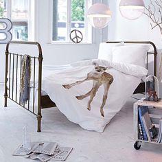 Bett aus Metall in weiß, Messing bei IMPRESSIONEN