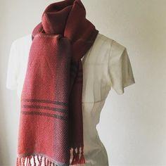 Pink & Purple alpaca handwoven scarf. #handwovenscarf #handwoven #マフラー #手織り #iichi #creema #minne Pinkoi