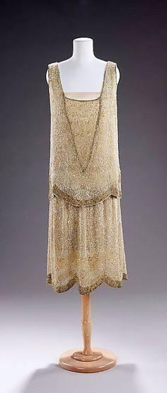 1925 dress by Edward Molyneux, French (born England): silk and rhinestones, via @~ Mlle.