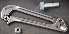 The Pocket Wrench is a simple but handy-looking self-adjusting wrench that costs less than $10. The self-adjusting design of the Pocket Wrench allows it to work with all sorts of fasteners from 5/16″ to 3/4″ (8 to 19 mm). Your hand-grip provides the pressure & when you loosen your grip, repositioning the tool is fast & easy //