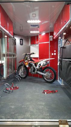 Ideas Dirt Bike Trailer Awesome For 2019 Enclosed Trailer Camper Conversion, Enclosed Car Trailer, Cargo Trailer Conversion, Cargo Trailer Camper, Bike Trailer, Cargo Trailers, Utility Trailer, Equipment Trailers, Snowmobile Trailers