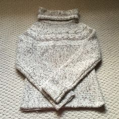 "Gorgeous Gap sweater; Worn 1x; Small; Wool blend. This is a gorgeous Gap sweater which was only worn once. It is in ""Like New Condition."" Wool blend. Size small. GAP Sweaters"
