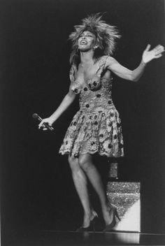 Tina Turner, Black Sequin Dress, Floral Lace Dress, Female Rock Stars, Famous Black, Music Pictures, Female Singers, Celebrity Look, Celebs