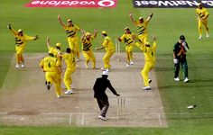 Cricket has witnessed many moments where the audience burst into laughter. And, here are the Top 10 Funniest Cricket Moments of All Time. Steve Waugh, History Of Cricket, Watch Live Cricket, World Cup Jerseys, Cricket Match, Cricket News, Sports Stars, Sports Photos