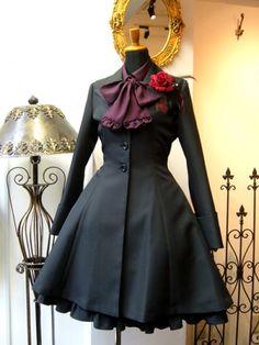 Lolita Fashion, Gothic Fashion, Pretty Outfits, Pretty Dresses, Black Butler, Cute Fashion, Fashion Outfits, Black Corset Top, Fantasy Gowns