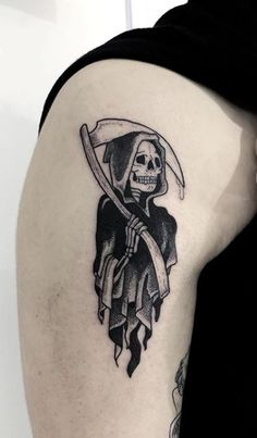 110 Unique Grim Reaper Tattoos You'll Need to See - Tattoo Me Now Black Ink Tattoos, Dope Tattoos, Badass Tattoos, Body Art Tattoos, Hand Tattoos, Small Tattoos, Sleeve Tattoos, Tattoos For Guys, Tattoos For Women