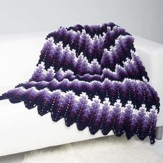 Perfectly Purple Ripple Throw | This stunning ripple pattern is an intermediate design but so worth the effort!