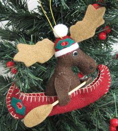 "write on it our home name ""mythical moose lodge"" (cr) Felt Christmas Decorations, Christmas Ornaments To Make, Handmade Christmas, Christmas Time, Felt Ornaments Patterns, Fish Ornaments, Felt Patterns, Deco Table Noel, Reno"