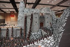 Lord of the Rings Battle of Helms Deep Built with 150000 LEGOs <3 Geeky