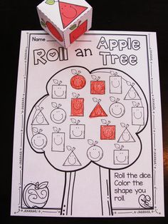 2D Shapes fun in an adorable apple theme - perfect for kindergarten or first…