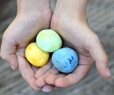 Make bouncy balls at home. Kids love it because it's fun science and your fingers get gooey and sticky! They are an easy boredom buster! Pink Velvet Cupcakes, Biscuits And Gravy Casserole, Grill Cheese Sandwich Recipes, Steak Rubs, Best Grilled Cheese, Clean Baking Pans, Perfect Steak, How To Make Cupcakes, Homemade Bbq