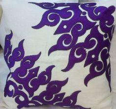 purple-white-cushion