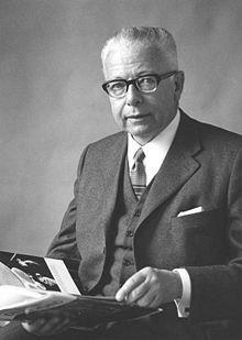 Gustav Heinemann (1899-1976), deutscher ev. Kirchenmann, Christdemokrat, Sozialdemokrat, Pazifist und Bundespräsident (1969-74), aus Schwelm