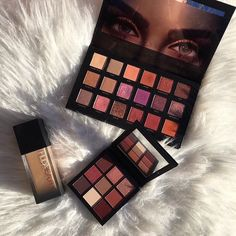 Huda Beauty is our makeup inspiration! This eyeshadow palette is just gorgeous and the shades have such great range you can really create tons of new creative looks with this! Love My Makeup, Gorgeous Makeup, Simple Makeup, Drugstore Eyeshadow Palette, Makeup Palette, Drugstore Makeup, Eyeshadows, Too Faced, Makeup Brands