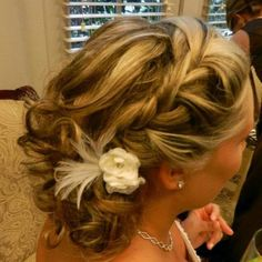 Bridal hair by Amy Alesia 4436748160 www.pinupsalongirl.com