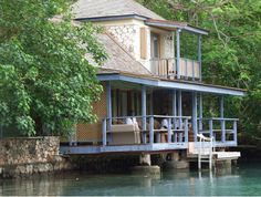 GoldenEye's Spa On The Lagoon