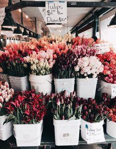 Bouquet of flowers, flower market, flower stall, tulips, peonies My Flower, Beautiful Flowers, Flower Farm, Exotic Flowers, Roses Tumblr, Flower Aesthetic, Flower Market, Flower Shops, Planting Flowers