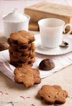 Prepariamo insieme i biscotti con farina di castagne e pinoli!