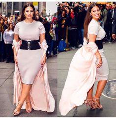 Thick Thigh Thursday inspo is of course creator of and Ashley Graham Loo. Big Girl Fashion, Curvy Fashion, Plus Size Fashion, Shirred Dress, Mesh Dress, Plus Size Dresses, Plus Size Outfits, Curvy Outfits, Fashion Outfits