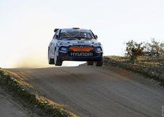 Фото›2011 Hyundai Veloster Rally Car