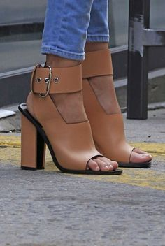 I LOVE the giant buckle around the ankle, but I wish the heel wasn't quite as chunky.  This nude color goes with EVERRRRYTHING.