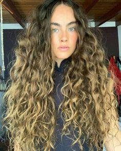 Dyed Curly Hair, Crimped Hair, Curly Hair Styles, Medium Long Hair, Long Wavy Hair, Dying My Hair, Love Hair, Straight Hair Waves, Hair Places