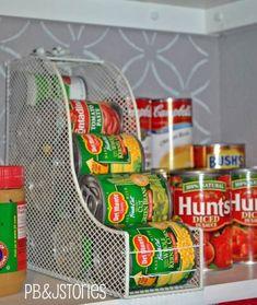 New kitchen pantry organization magazine holders ideas Organisation Hacks, Organizing Hacks, Diy Hacks, Ikea Hacks, Cleaning Hacks, Deep Cleaning, Cleaning Supplies, Small Kitchen Organization, Pantry Organization