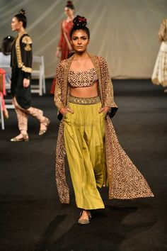 Lakme Fashion Week, Bridal Fashion Week, Casual Indian Fashion, Yellow Lehenga, Vogue India, Lace Skirt, Runway, Skirts, Ethnic