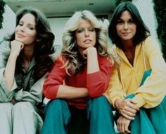 The original Charlie's Angels - Jaclyn Smith, Farrah Fawcett, Kate Jackson. Kate Jackson, Top Ten Tv Shows, 70s Tv Shows, Arnold Et Willy, Charlies Angels, New Tv Series, Jaclyn Smith, Baby Boomer, Kino Film