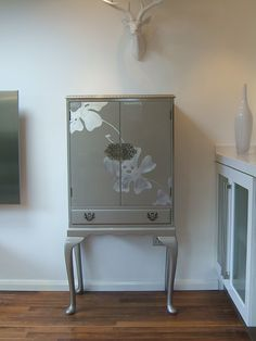 cocktail cabinet @ http://www.lovethisfurniture.net/