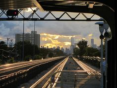 20110915 01 CTA Green Line L @ Oak Park by davidwilson1949, via Flickr