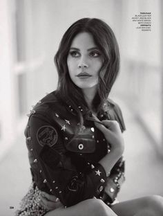 Lana by Thomas Whiteside for 'ELLE UK' (2017)